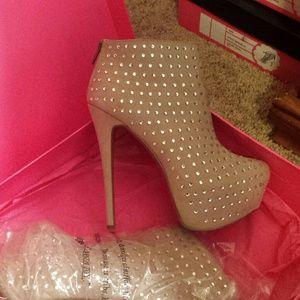 Betsey Johnson boots -brand new